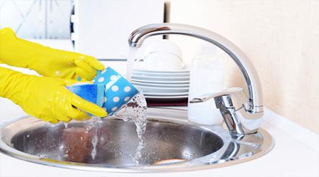 اشتباهاتی که هنگام ظرف شستن مرتکب می شوید