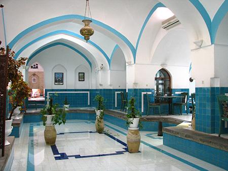 اثری در جنوب غربی مسجد جامع شهرکرد قرار دارد که به حمام خان شهرت یافته است.